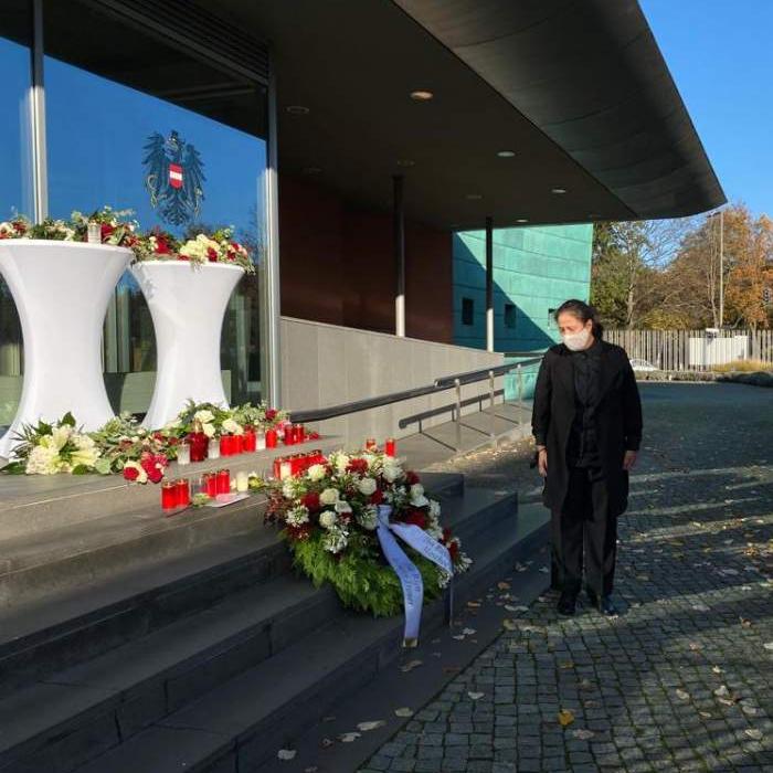 Kranzniederlegung an der Östereichischen Botschaft 5.11.2020